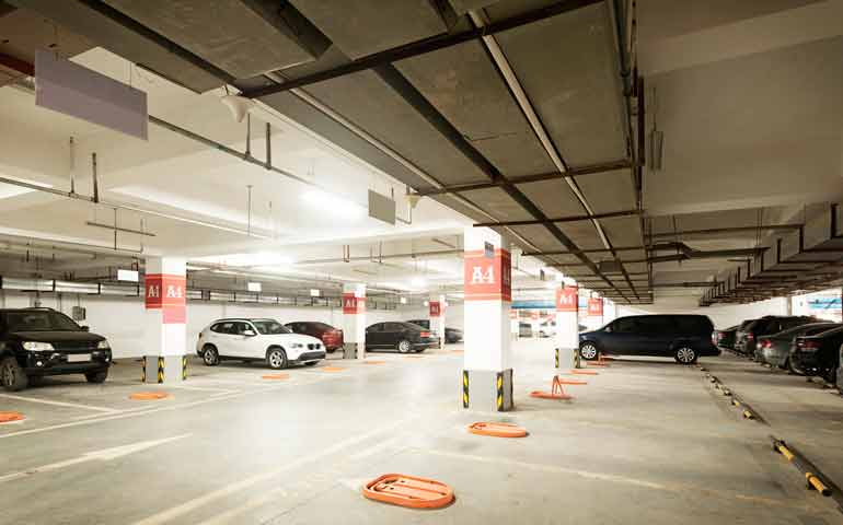 Garaż to specyficzne miejsce do oświetlenia