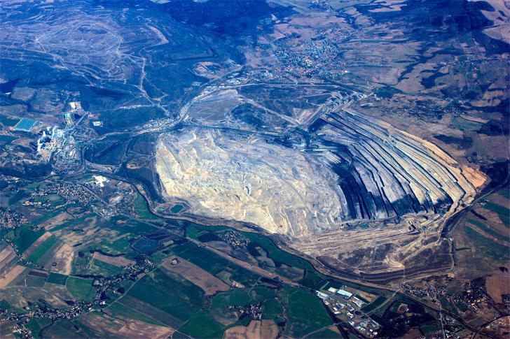 Dziura po kopalni odkrywkowej