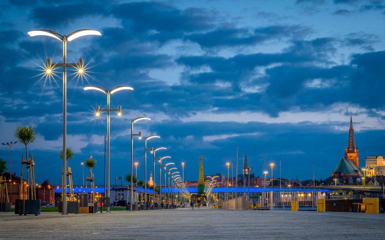 Bulwary w Szczecinie oświetlone przez LUG