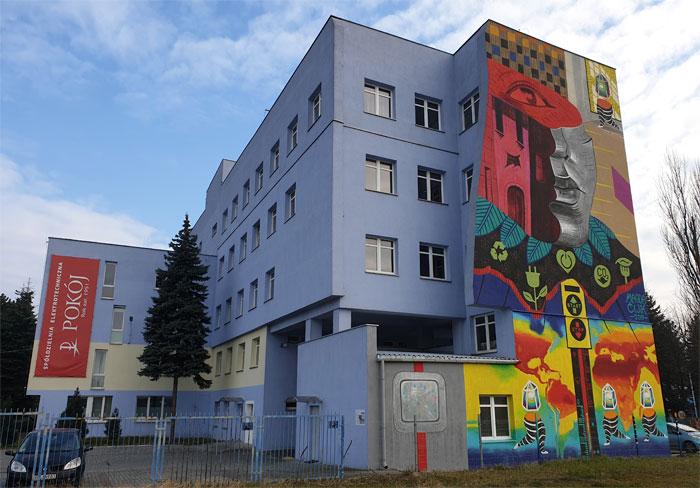 mural na budynku firmy Pokój