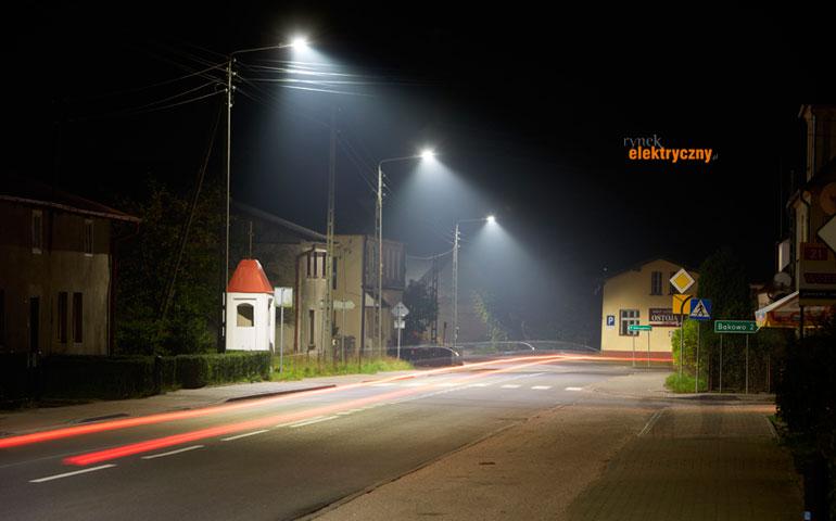 Oświetlenie w przetargach SIERPIEŃ