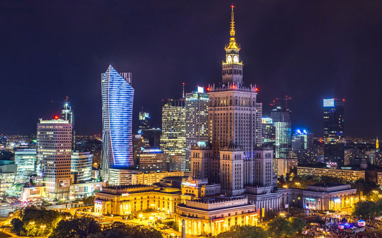 oświetlenie wieżowców w Warszawie