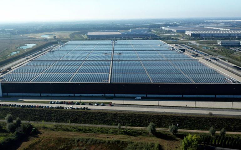 Najwydajniejszy na świecie dach solarny