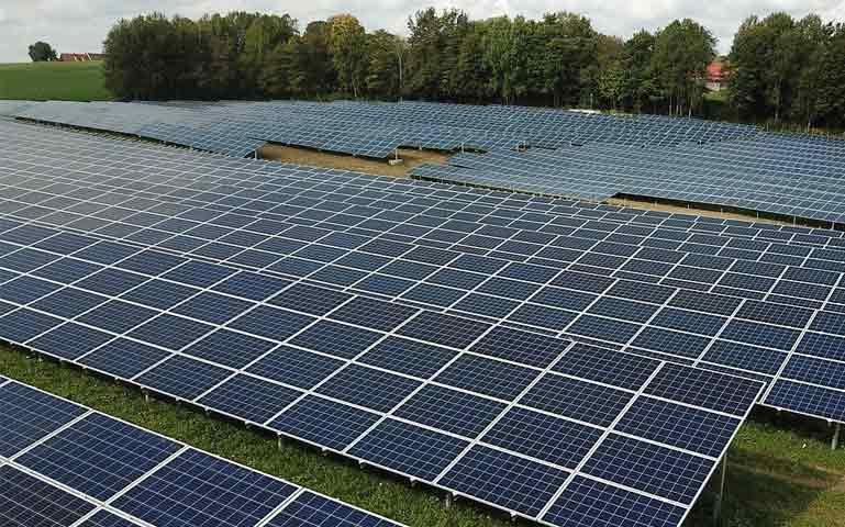 Polacy opracowują technologię stuprocentowego recyklingu paneli PV